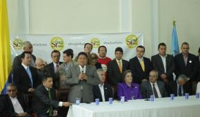 """""""Cuenten con nosotros para la Paz, nunca para la guerra"""": Senador indígena Luis Evelis Andrade"""