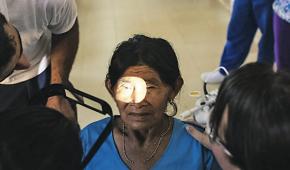 Tracoma, el enemigo silencioso de los ojos de los indígenas