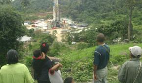 Resistencia Uwa contra petroleras y megaproyectos