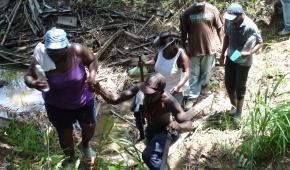 A los 219 años de presencia en Honduras, el pueblo Garífuna enfrenta una nueva expulsión