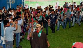 los indígenas insisten en la Paz