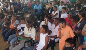 """""""Cuente con nosotros para la paz. No nos cuente para la guerra"""", le dicen indígenas a las FARC"""